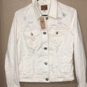 NWT American Eagle white denim jacket size medium